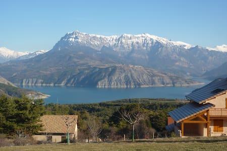 Lac et montagne - Rousset