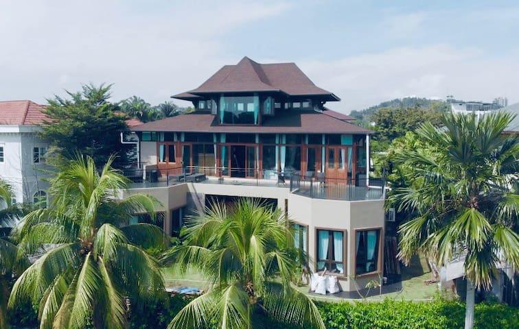 Grand Serene Lakeside Bali Style Villa