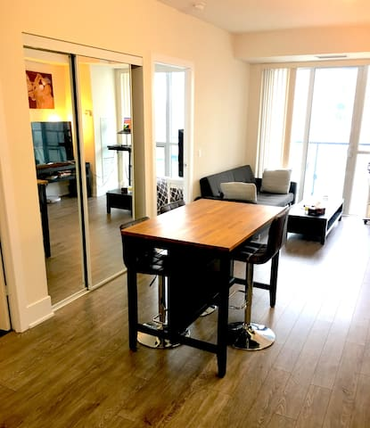 Modern Condo in Downtown Toronto, perfect Location
