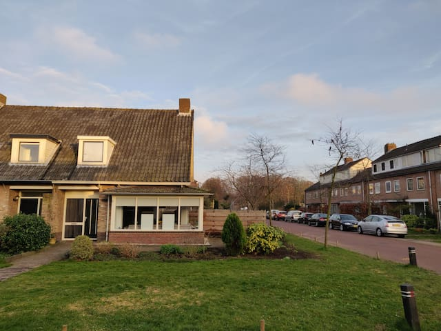 House close to beach, forrest 30min from Amsterdam