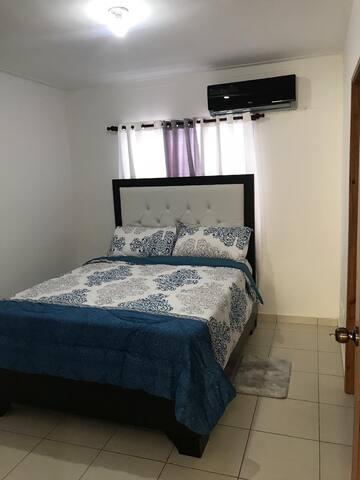 1 bed room (habitación)