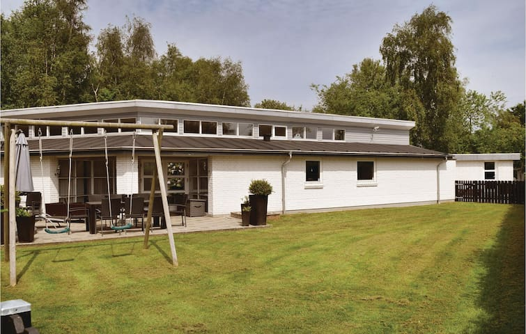 Holiday cottage with 3 bedrooms on 110m² in Juelsminde
