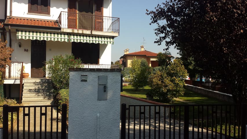 Country Sunshine - Codogno - Bed & Breakfast