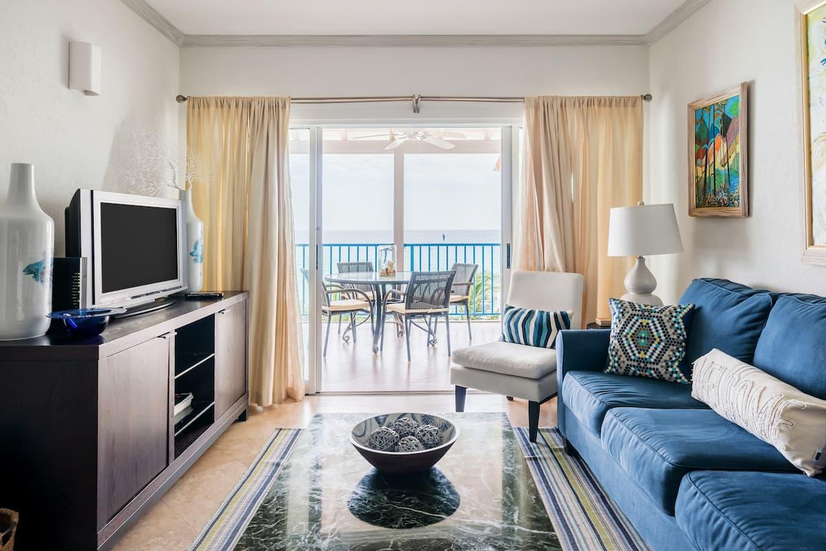 Ocean-view Beachfront Condo in Maxwell Beach Villas