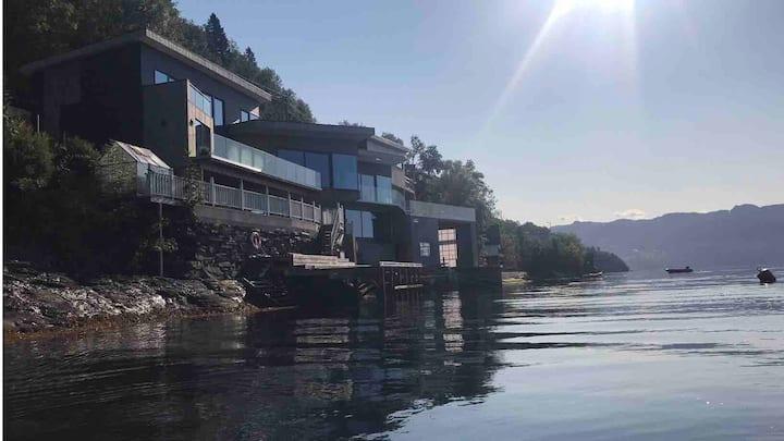 Seaside Studio in Hardangerfjord