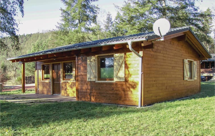 Holiday cottage with 2 bedrooms on 68m² in Merzalben