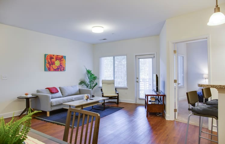 Modern + Quiet 2BR w/ Balcony @ Walkable to All