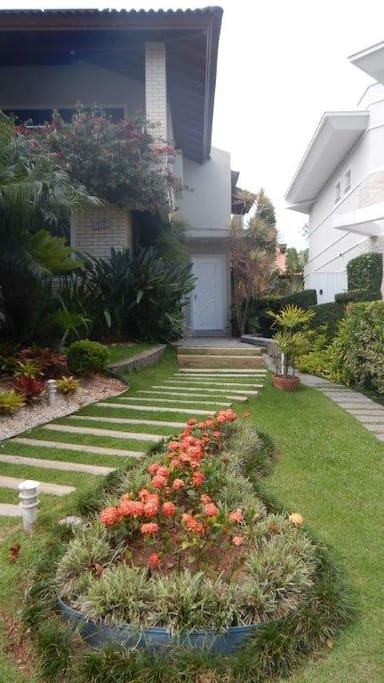 Fotos da entrada independente para andar superior (House independent entrance to upper apartament)