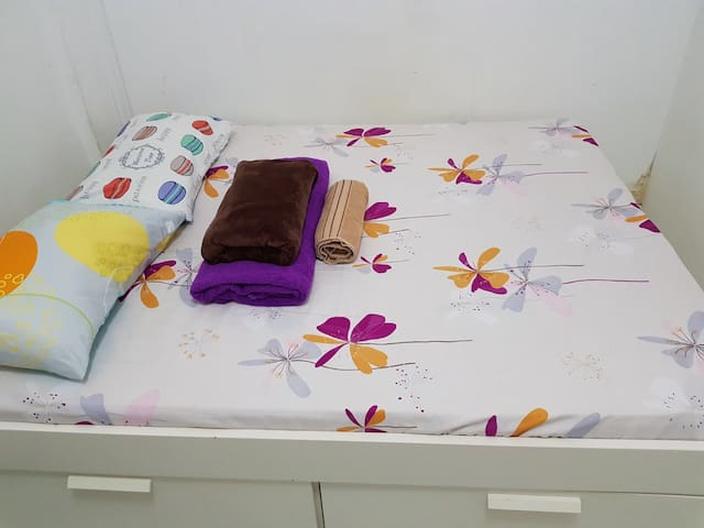 highrise heritage queenbed RmB
