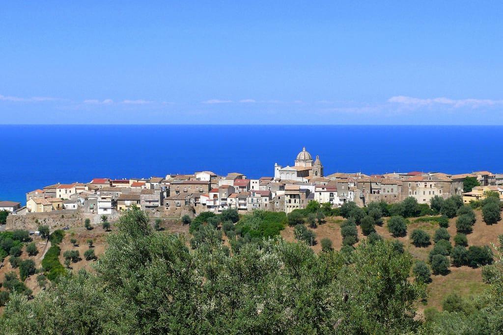 Vista panoramica del borgo antico di Cariati