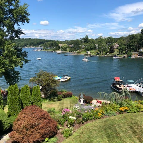 Waterfront Home on Candlewood Lake!