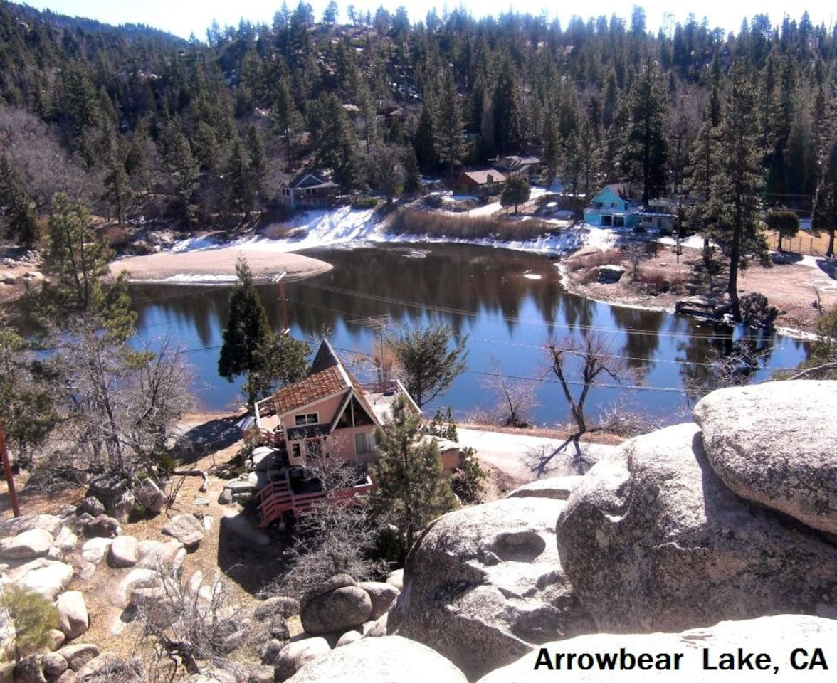 Little Cabin On The Lake- Arrowbear, CA. Seasonal Lake. Gorgeous scenery of majestic Mountains, Pines, Lake, Bridge and Boulders. No neighbors on either side, for plenty of privacy. Hike in you own yard. Amazing views from every room! Enchanting.