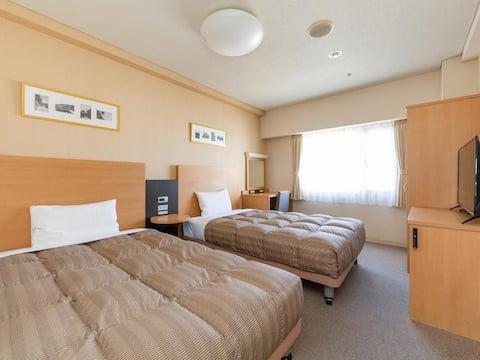 The OneFive Okayama / Superior Twin Room