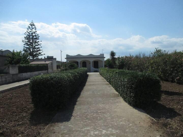 prestigiosa villa mediterranea