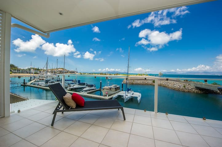 Waterfront Luxury Magnetic Island - Nelly Bay - Apartment