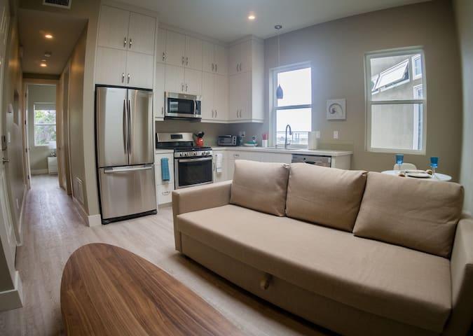 Full kitchen awaits you