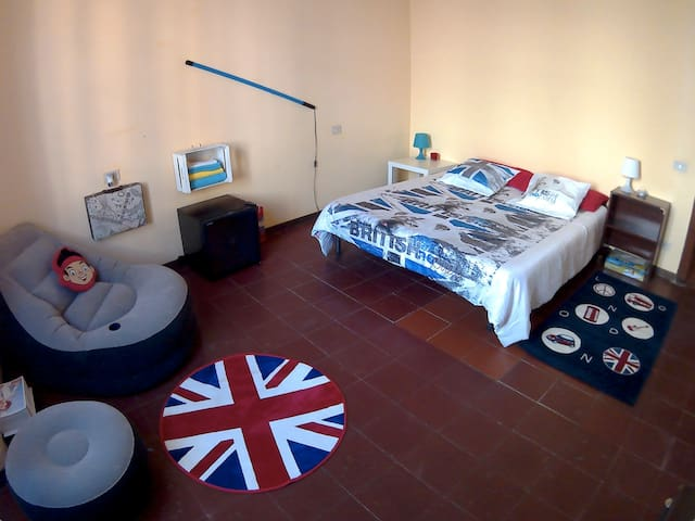 Happiness House [Cam Matrimoniale in Appartamento]