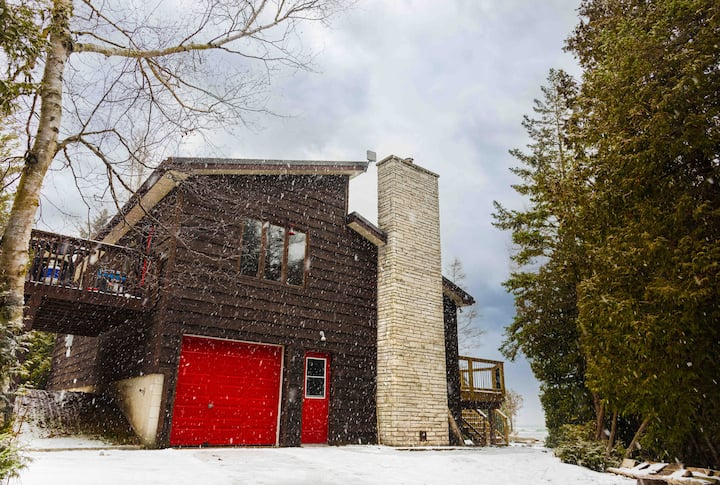 Red Sky Lakehouse-Winter Retreat on the Bruce