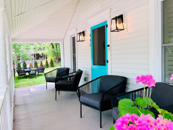 Beautifully Renovated In Town Harbor Springs Home