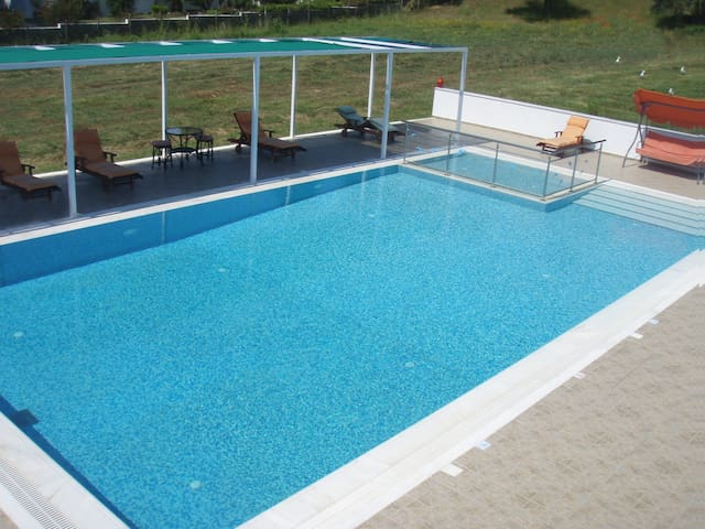 Parisis Villas with Pool ideal for Groups. - Troulos