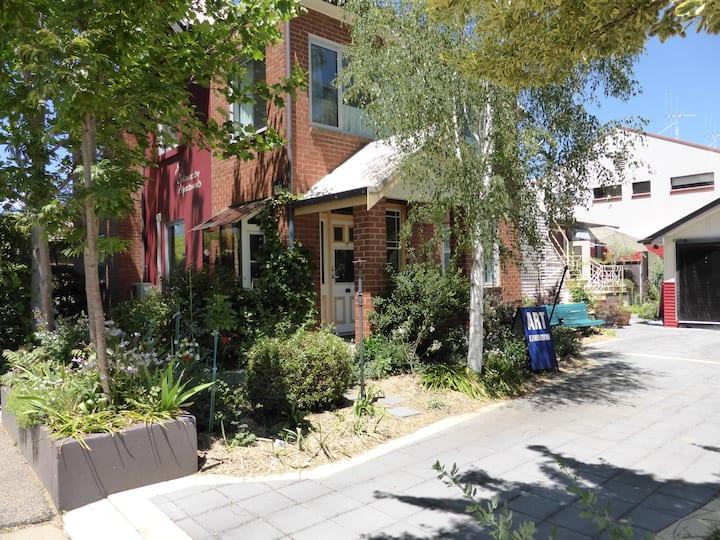 A Colourcity Apartment:The Lawson 2