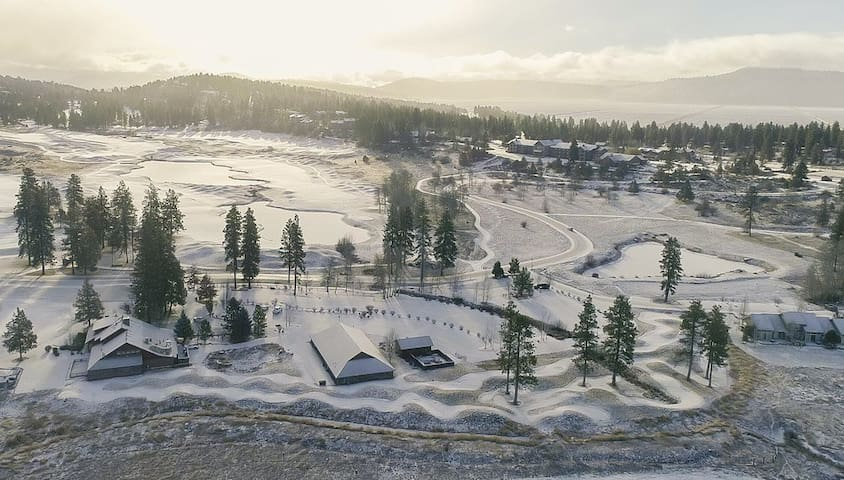 Overview of the golf course & resort at wintertime.  Winter fun is abundant here!  Klamath Basin also hosts the largest winter gathering of bald eagles in the Pacific NW. Winter Wings Birding Festival in Klamath Falls celebrates bald eagles and other migratory birds.