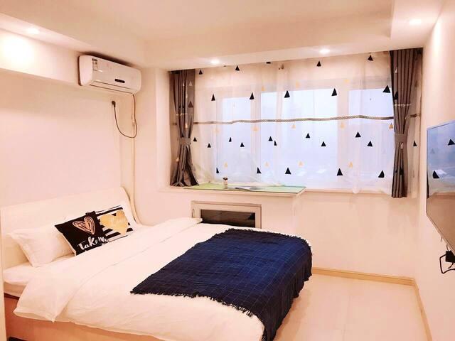 【小柒】海景欧风舒适一居室烟台大学上市里会展中心