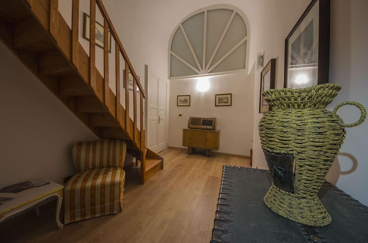 A few steps from the cathedral in Catania - Catania - Apartment