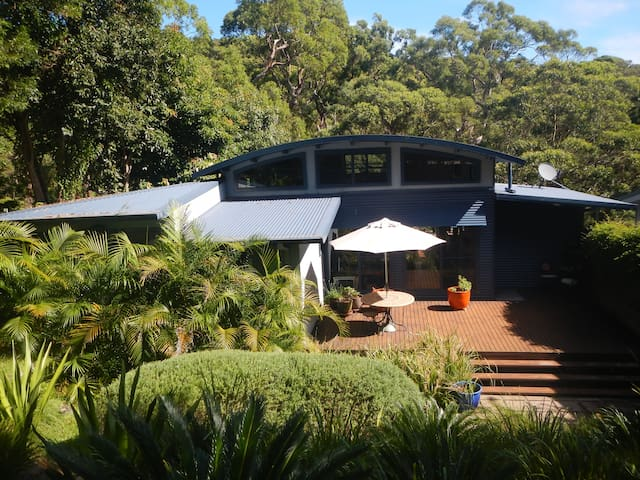 Blue House Bush Retreat - Bundeena