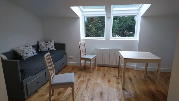 Caluire : studio calme dans petite résidence