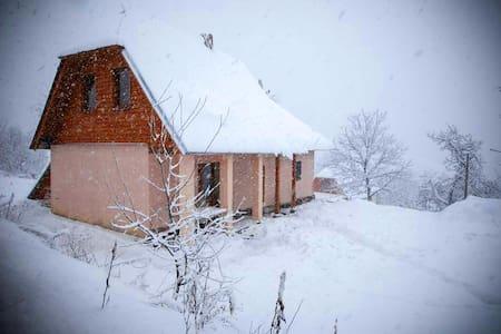 У Сергея - Lumshory - Maison