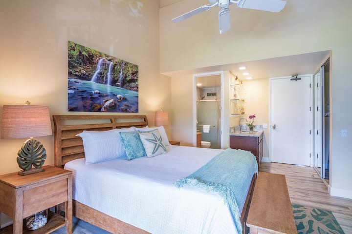 Quarantine Resort ~The Waterfall Studio ~ with A/C