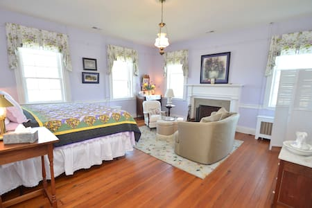 Greenfield Inn Bed and Breakfast/ NBForrest Rm - Washington - Bed & Breakfast