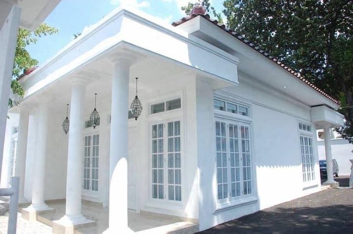 Colonial Style House at Griya Pamengkang 2