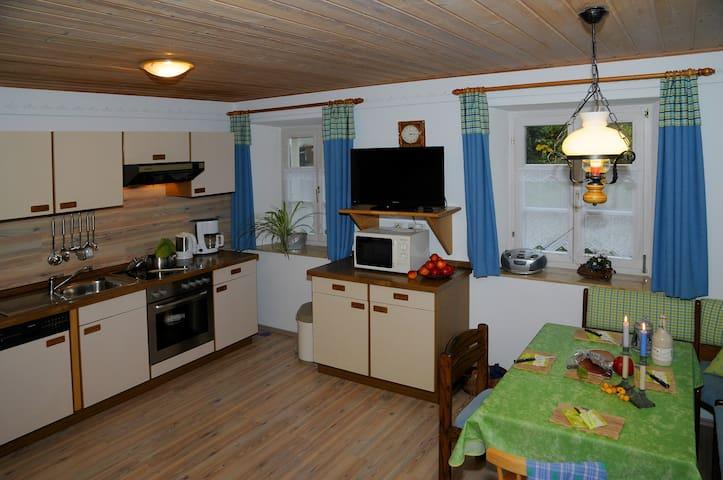 Ferienwohnungen Ströhlein (Absberg), Ferienwohnung Hopfenspross mit überdachter Terrasse