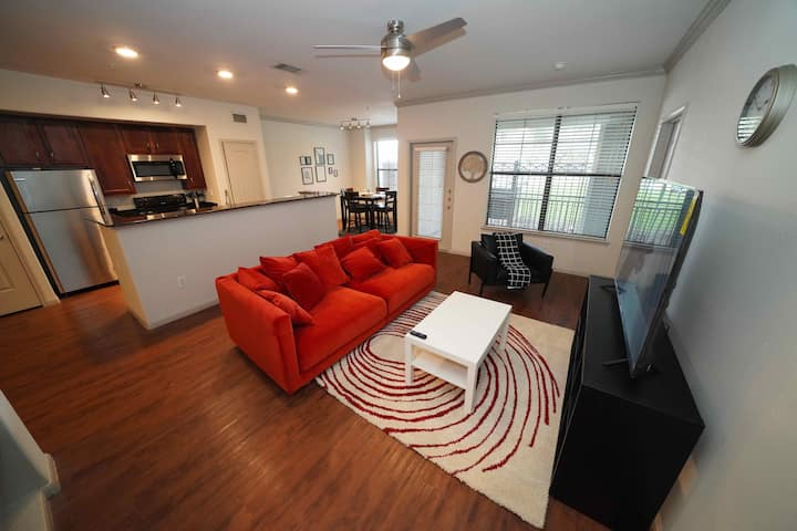 HarlowStays | LARGE and Modern 1BR | Memorial City
