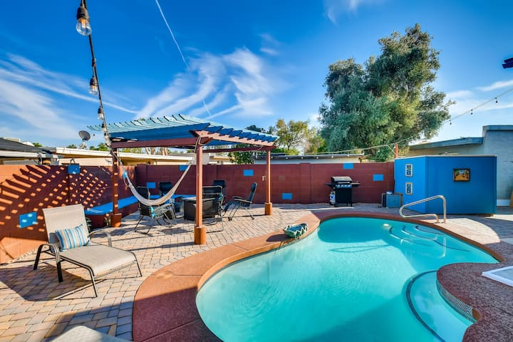 LICENSE TO CHILL~ PRIVATE POOL & HOT TUB 6BD/3BA! 5 MINS TO ANGELS DIABLO STADIUM!