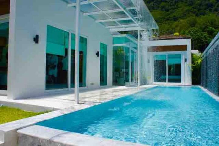 Luxury 2BR Kamala Sky Light Villa