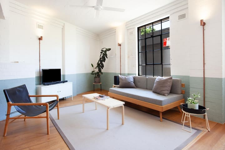 Designer Studio Apartment in Inner Darlinghurst