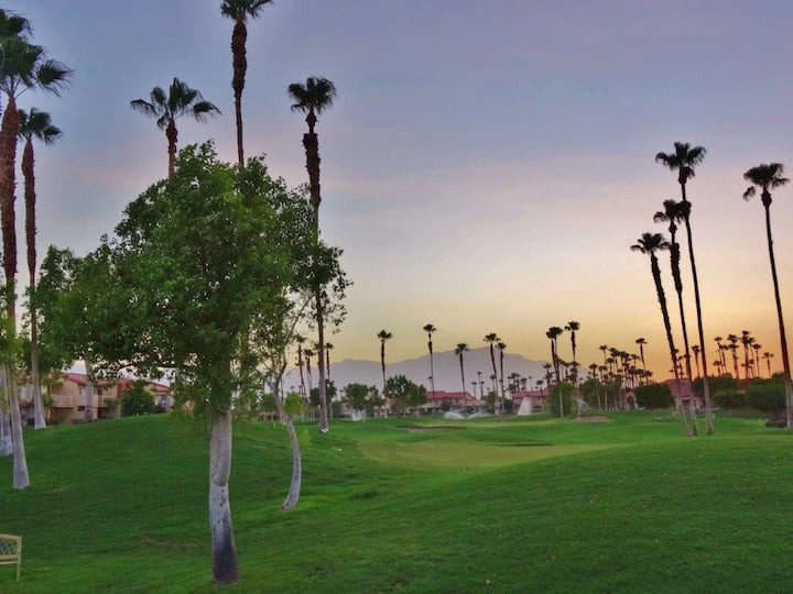 Sunsets in La Quinta - Palm Royale Country Club