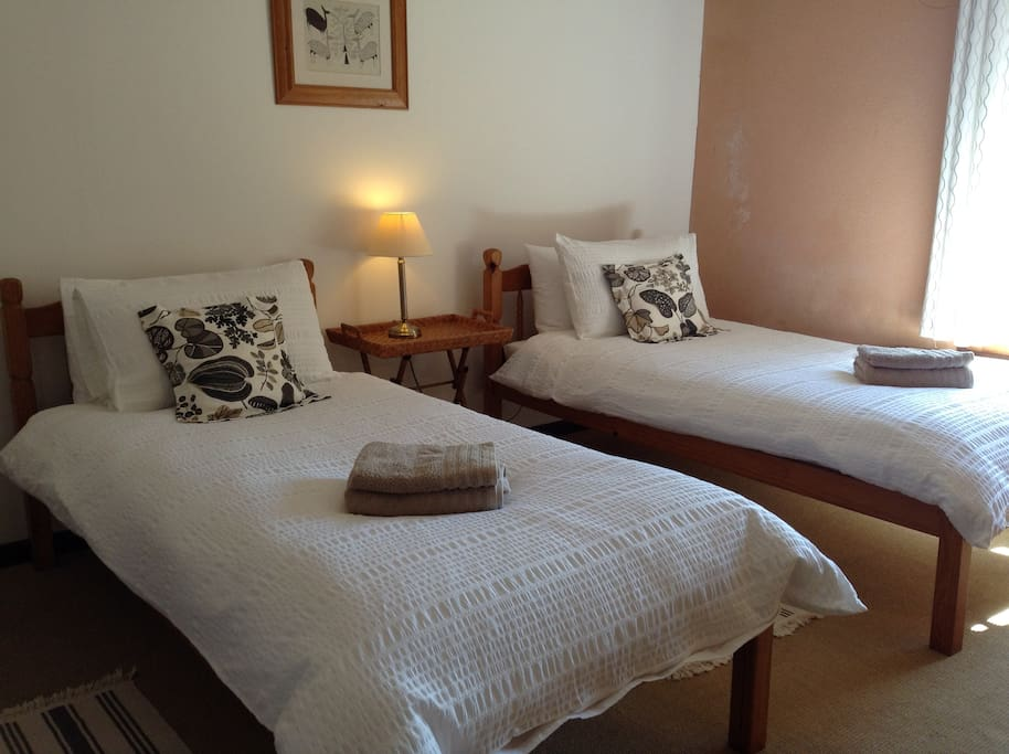 Le Martinet twin bedroom