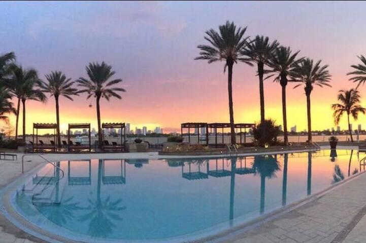 Luxury 1BR/1BA best view/location! - Miami Beach