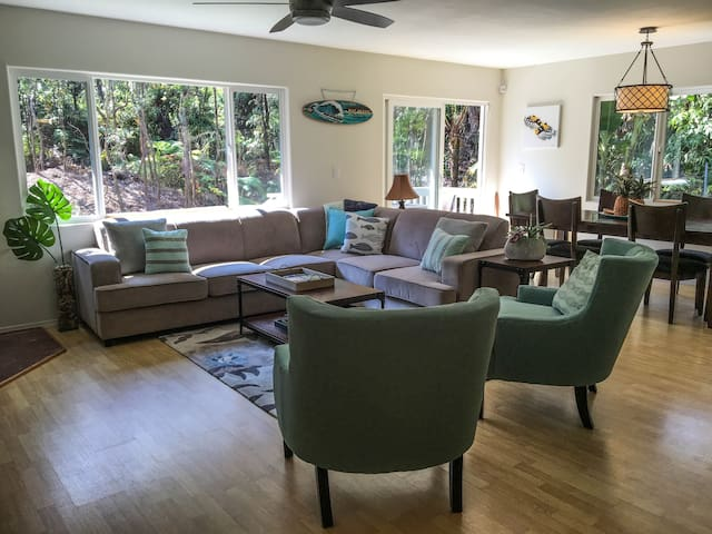 Modern, Immaculate 3 BD/2BA Rainforest Retreat - Volcano