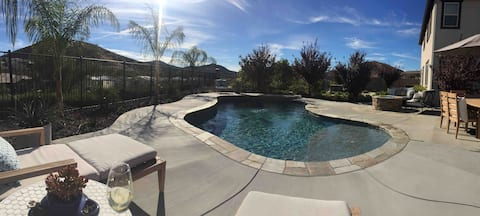 Pool house gem minutes from wine country!