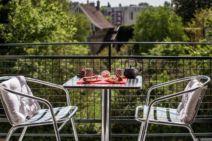 La Chambre du Prince, Fontainebleau centre