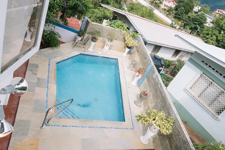 Villa Patricia Suite #1 w/Large Private Bathroom
