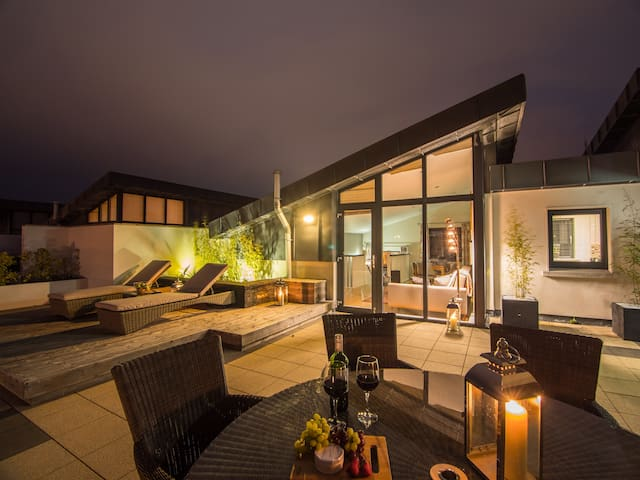 Exquisite Galway City Penthouse– Sleeps 7