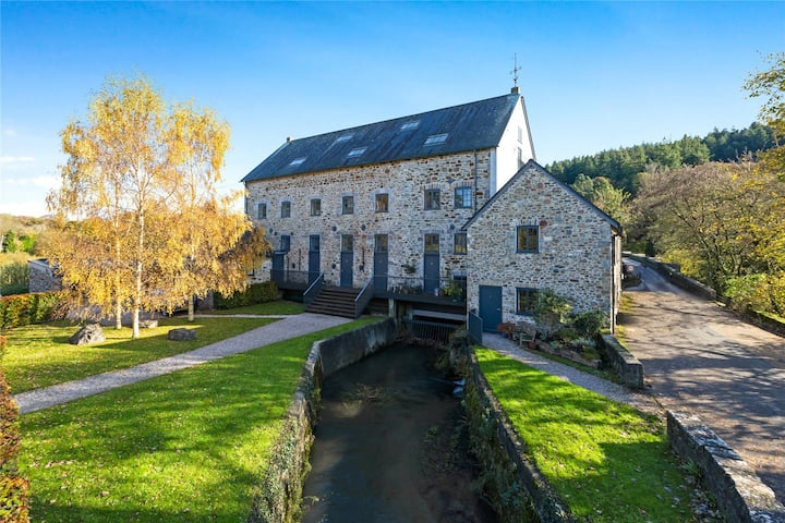 Staverton Mill Idyllic Penthouse on the River Dart
