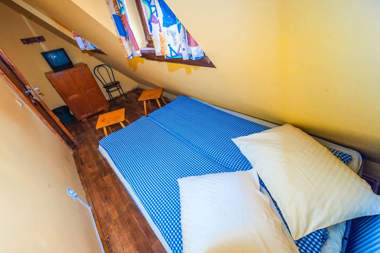 Burg-Hostel - Single room common bathroom E101
