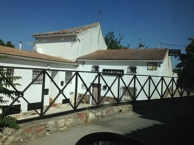 Home village with charm - Villar del Olmo - House